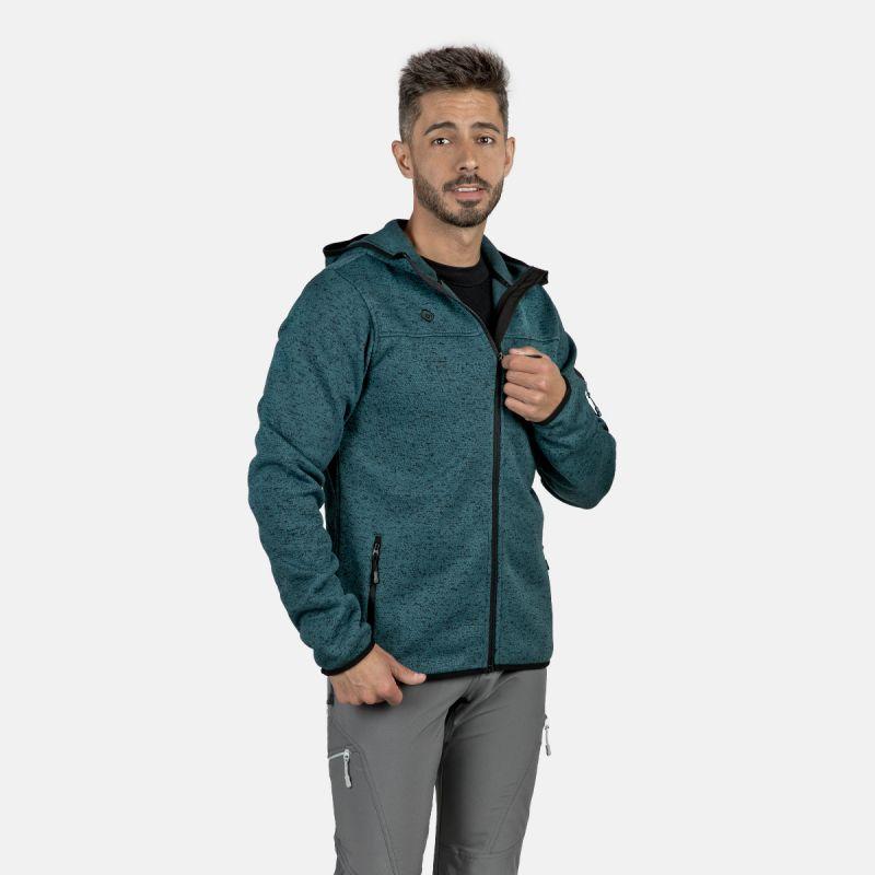 uomo di giacca polare blu verde alder