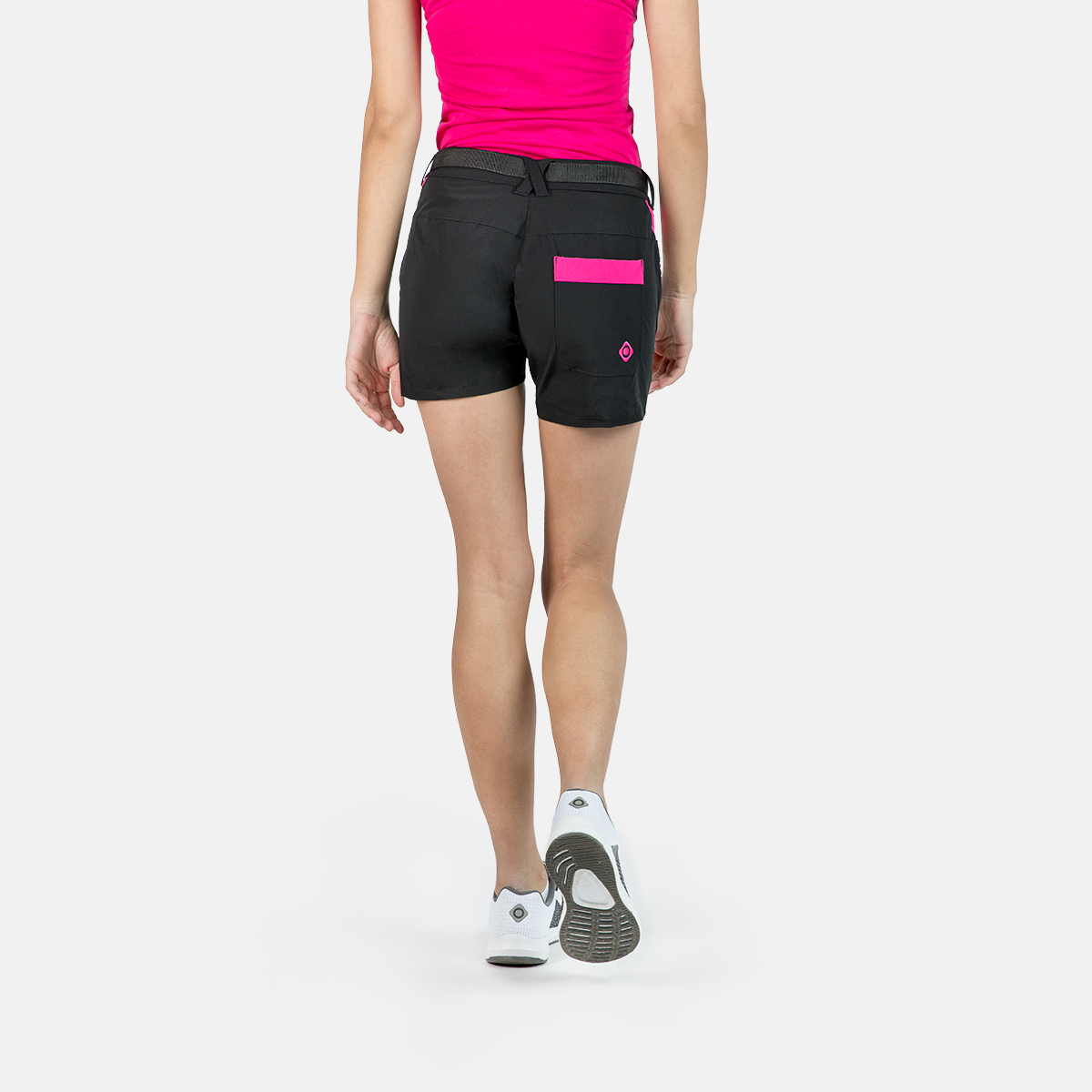WOMAN'S CHARLOTTE MOUNT STRETCH SHORT BLACK